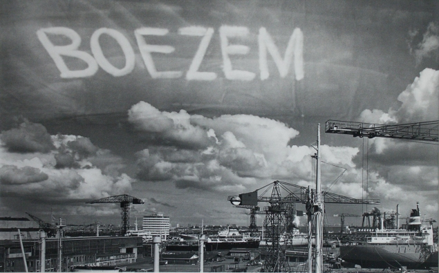 marinus_boezem-signing_the_sky_above_the_port_of_amsterdam_by_an_aeroplane_1969-fotoserie_van_drie_ex.no.1
